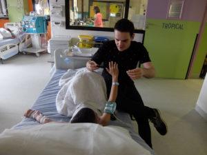 Atelier Magie à l'hôpital Robert Debré